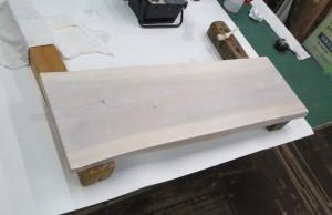 木製看板に防腐剤塗布